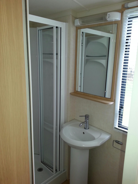 Burgundy shower room